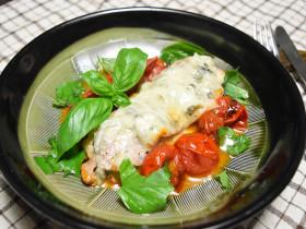 豚薄切り肉とトマトのチーズ焼き