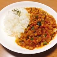 夏野菜たっぷりの納豆ドライカレー