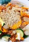 ヨーグルトでカルボナーラ風ミートソース丼