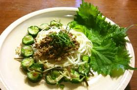 作り置きで肉そぼろと胡瓜の浅漬けの素麺