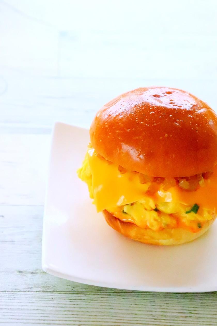 LAで人気のエッグスラット サンドイッチ
