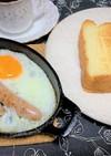 喫茶店風トーストとスキレットで目玉焼き