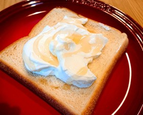 夏朝食♪ひんやり水切りヨーグルトトースト