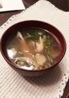 包丁いらず!舞茸とレタスのお味噌汁