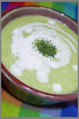 ブロッコリーを丸ごと食べる冷たいスープ