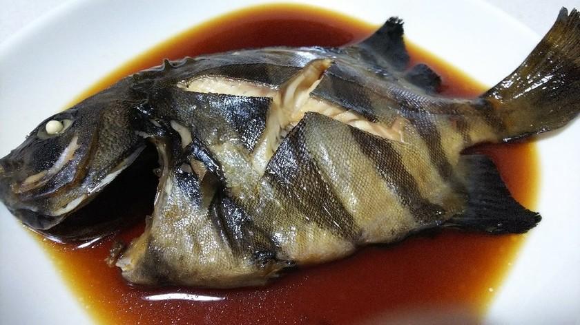 旨味がたっぷりの石鯛の煮付け