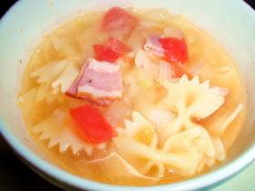 """残り野菜のミネストローネ""""風""""スープ"""