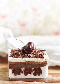 黒い森の箱ケーキ