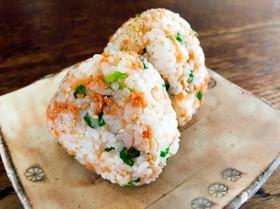 酢飯リメイク☆鮭と葱の酢飯おにぎり♡