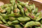 旨みが凝縮!焼き枝豆の写真