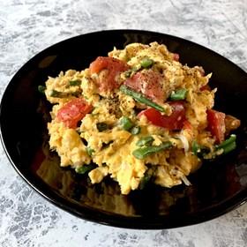 トマト*いんげん*しらすチーズ卵炒め