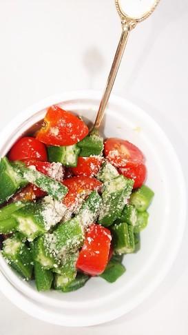 オクラとトマトのサラダ