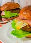 ボリューム満点!肉厚ハンバーガー