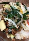 納豆と中華サラダのご飯