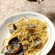 私のフランス料理とあさりのワイン蒸パスタ