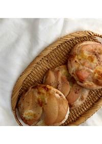 桃モッツアレラチーズパン