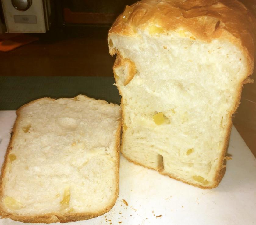 干しパイナップルと酒かすの食パン