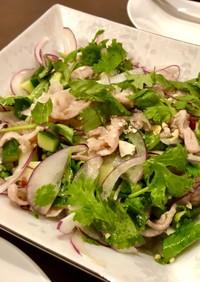 豚肉とパクチーのタイ風サラダ