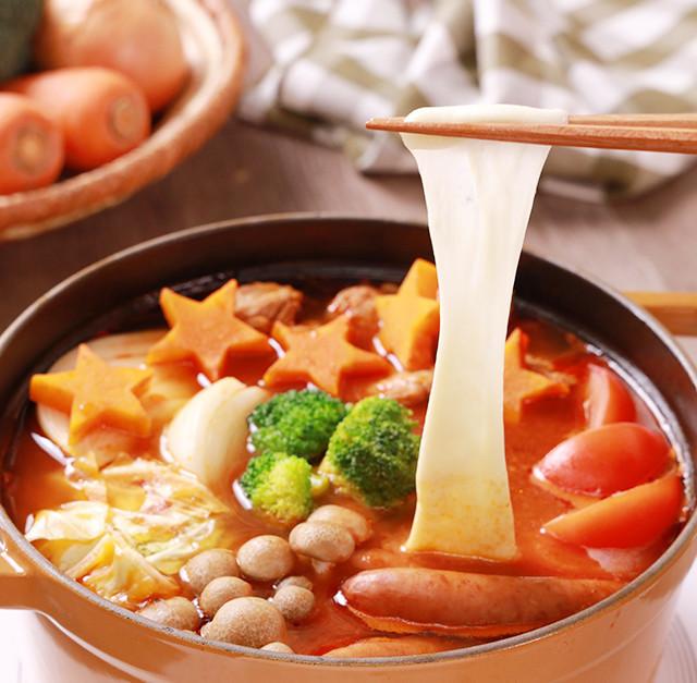 のび~るモッツァレラのトマト鍋♪