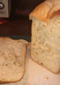バナナチップスと酒かすの食パン