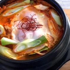 本格 スンドゥブ 豆腐チゲ