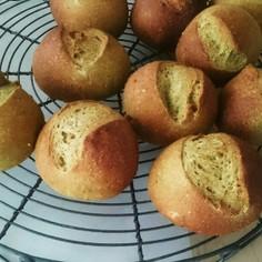 酒種で☆米粉と全粒粉入りの緑茶パン