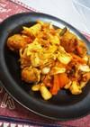 冷蔵庫整理にも!肉団子と野菜のキムチ炒め