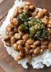 納豆と甘辛獅子唐のご飯