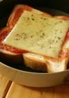 シンプルチーズトースト 《山ごはん》
