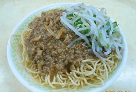 簡単給食 ジャージャー麺