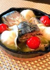 水餃子と鯖缶の簡単アヒージョ