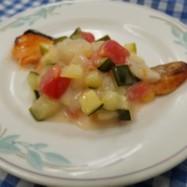 夏にピッタリ!高齢者向け鮭の夏野菜ソース