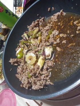挽き肉とゴーヤの煮付け