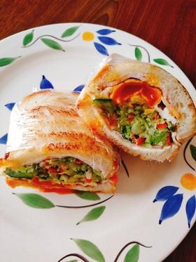 休日の朝の沼さんのサンドイッチ