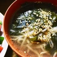 呑んだ後のシメに!ワカメ中華スープ
