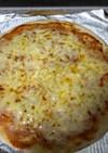 チーズだけのピザ
