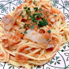 トマトと玉ねぎとベーコンの時短パスタ