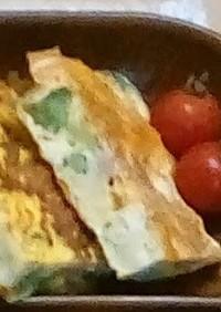ブロッコリーとウインナーのチーズオムレツ