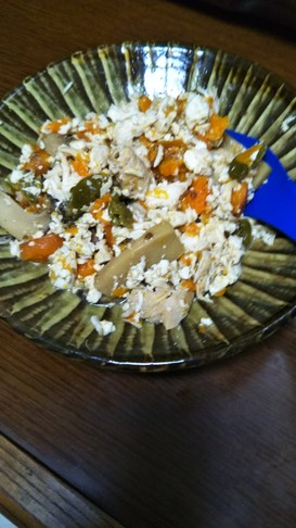 豆腐崩して美味しく、ししとう鶏肉煮物