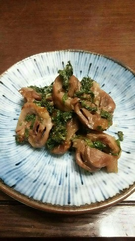 甘辛おつまみ、砂肝の大葉にんにく炒め。