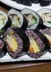 焼き鯖の巻き寿司と黒米サラダ巻き