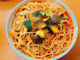 ごろっと夏野菜のトマトパスタ野菜ジュース