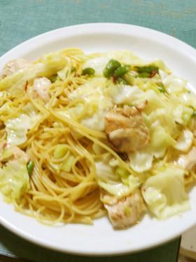 鶏胸肉とキャベツの塩麹ペペロンチーノ