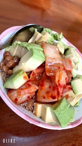 納豆、キムチ、豆腐、アボカドの美body