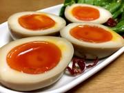 ちょいピリ辛♡とろ〜り半熟煮卵(味玉)の写真
