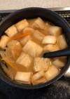 にんじん・玉ねぎ・麩の味噌汁
