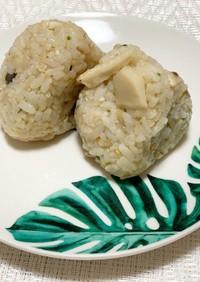 4種のきのこと発芽玄米の抗菌おにぎり