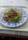 キャベツと魚肉ソーセージのダシダパスタ