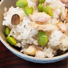 鮭と枝豆としめじの炊き込み御飯