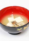 豆腐としめじのみそ汁